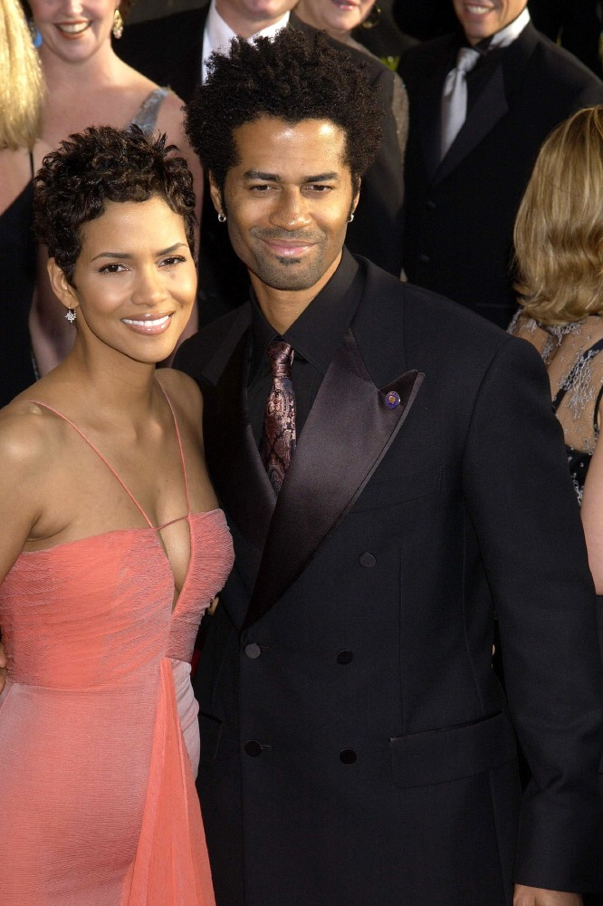 Halle Berry and Eric Benet (Credit: Famous)
