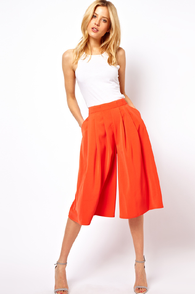 I like the culottes which do have a wide leg which is perfect for the hot weather during summer in Florida. The casual wide legs look great with my open neck checked shirt and I have already wore them to an outing in a restaurant.