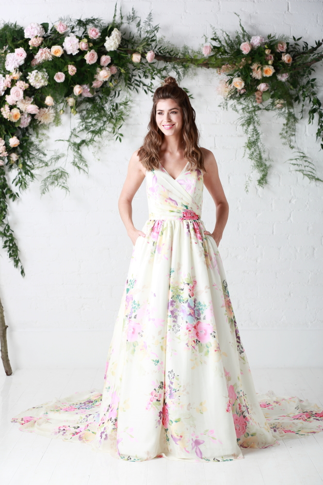 10 Reasons to choose a floral wedding dress