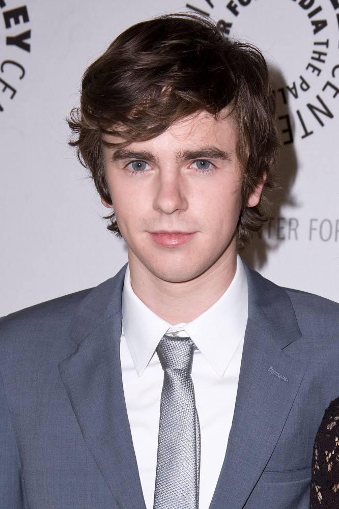 freddie highmore - photo #1