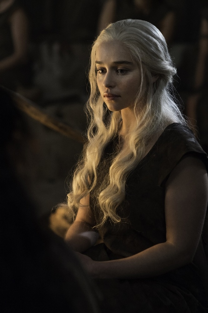 Game Of Thrones Why Should Daenerys Targaryen Sit On The Iron Throne
