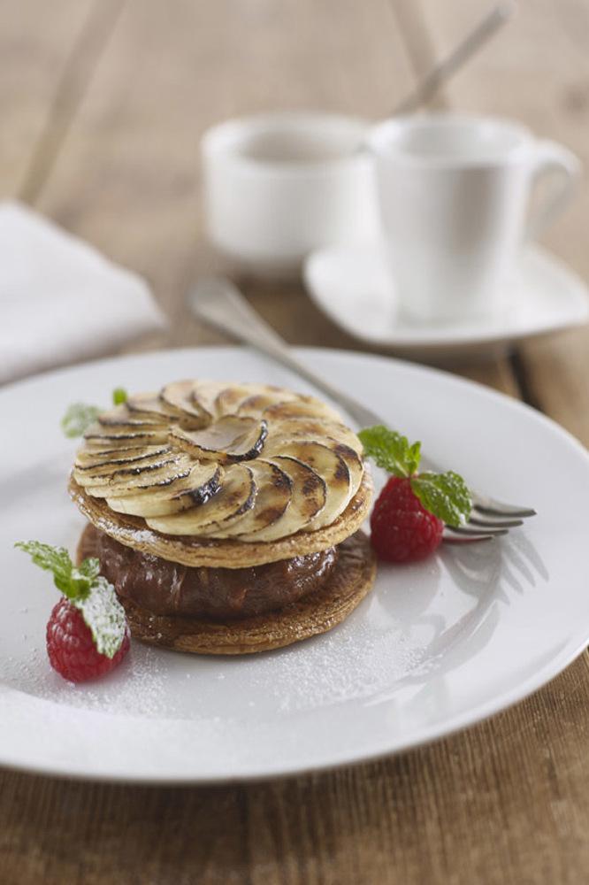 Glazed Banana, Chocolate & Peanut Butter Pie