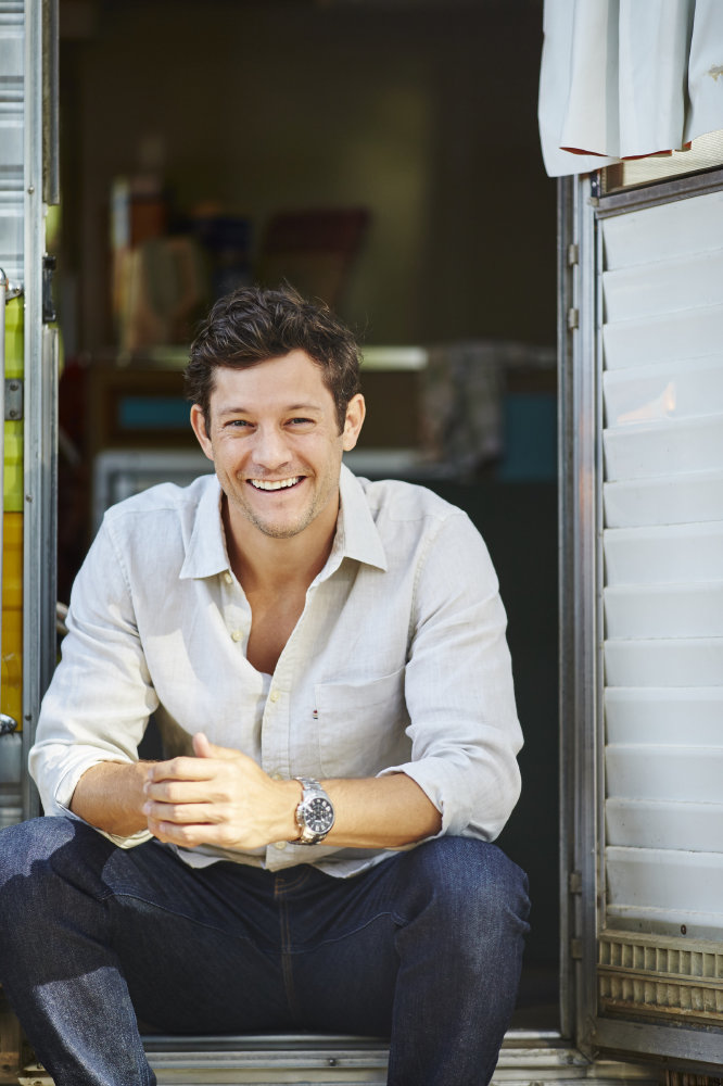 Rob Mills plays Finn Kelly in Neighbours