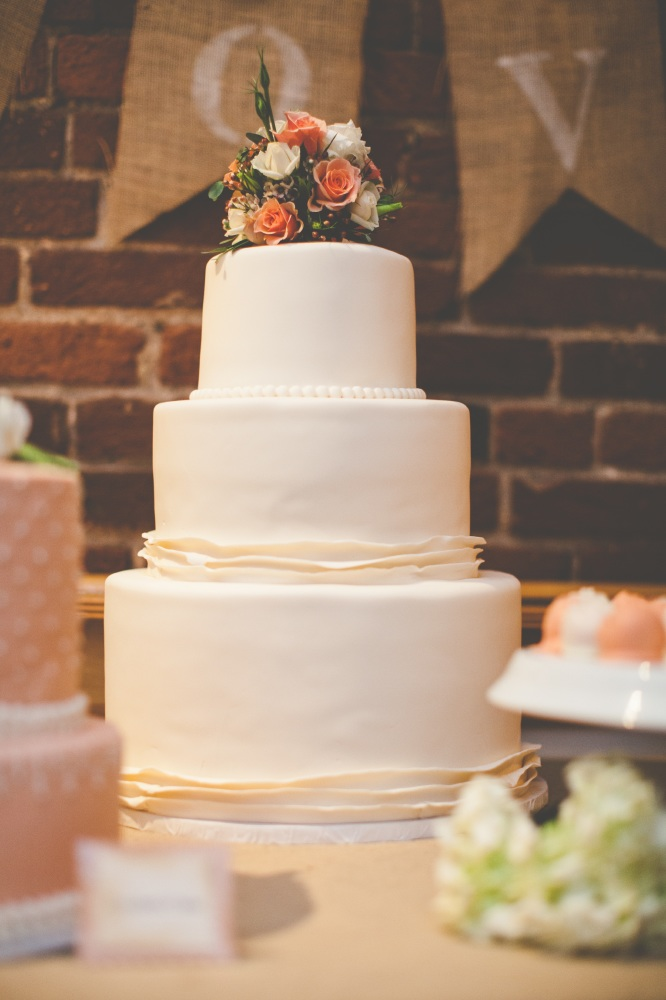 Average Wedding Cake Cost.10 Reasons To Buy Your Wedding Cake From A Supermarket