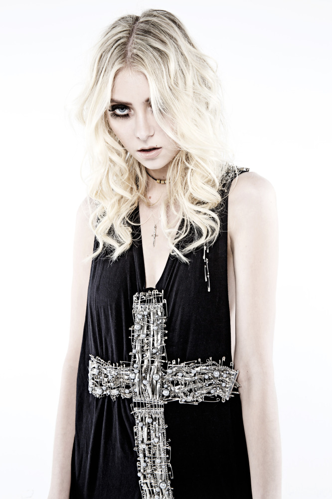 Taylor Momsen Exclusive Talks Going To Hell The Pretty Reckless