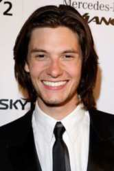 ben barnes awi 6 Miley Cyrus 'Sex Tape' Facebook Scam