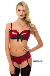 Men's preferece: Lace, bows, skimpy knickers and suspenders