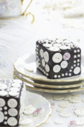 Pearly Queen Chocolate Cakes