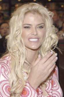 Anna Nicole Smith's daughter asked father Larry Birkhead how she died while ...