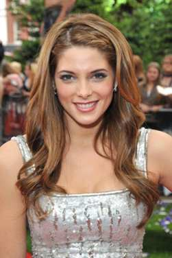 Ashley Greene Calls Twilight Cast 'Family'