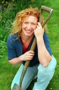 Charlie Dimmock Calls On Us To Become Nature Detectives - Femal