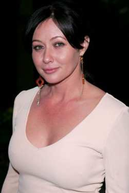 shannen doherty denies pregnancy rumours - female first