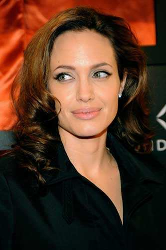Angelina Jolie bought son Maddox a dagger