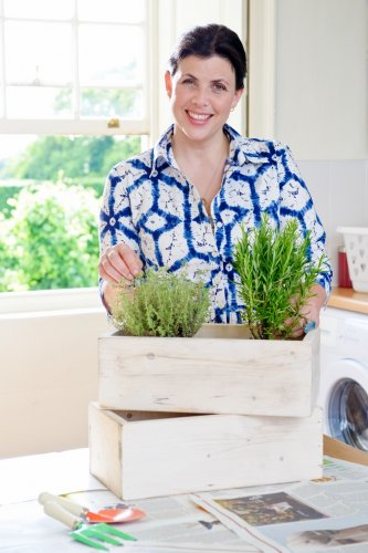 Kirstie Allsopp playing the domestic goddess that she doesn't think she is