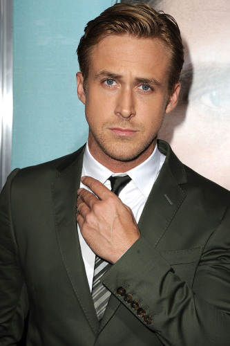No one can pull off a suit quite like Ryan Gosling!
