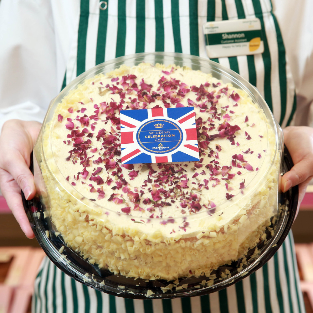 royal wedding cake morrisons 11 reasons to celebrate along with meghan and harry on 19417