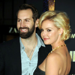 Katherine Heigl and Josh Kelley (Credit: Famous)