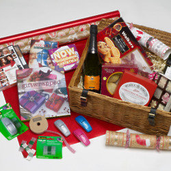 Win a National Wrapping Day Luxury Christmas Hamper and Shopping Vouchers with 3M Scotch
