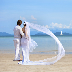 Couples Are Choosing To Marry Abroad