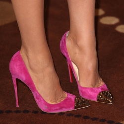 Blake Lively wears a gorgeous pair of pink Christian Louboutins