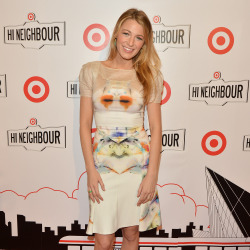Blake Lively looks beautiful in Roland Mouret
