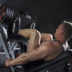 Middle-aged men have a desire to bulk up