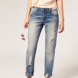 Boyfriend jeans are a must have for Spring