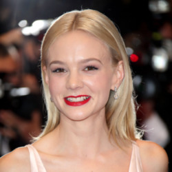 Carey Mulligan's simple mid-length hair is very on-trend
