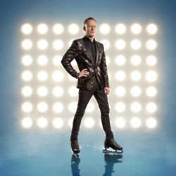 Antony Cotton will take to the ice this Sunday / Credit: ITV
