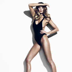 Elle Macpherson shares how she gets her legs looking so perfect
