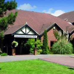 The welcoming entrance at the Macdonald Botley Park Hotel
