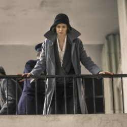 Katherine Waterston as Tina Goldstein in Fantastic Beasts and Where To Find Them