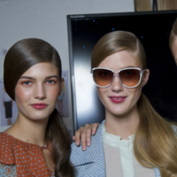 Try a side parting like at Jaeger