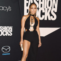 Can you look as good as JLO in your black dress this Christmas?