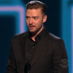 Justin accepting his award / Credit: People's Choice