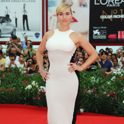Kate Winslet makes clever choices when it comes to clothes