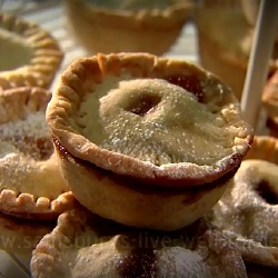 VIDEO: Gluten and Dairy Free Mince Pies Recipe