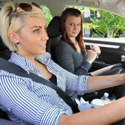 Women say that their partners affect them in the car