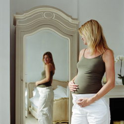 Pregnant women fear weight gain when pregnant
