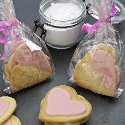 Valentine's Day Recipes: Strawberry Shortbread Hearts