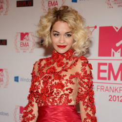 Rita Ora looked beautiful in Marchesa