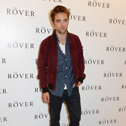 Robert Pattinson looks handsome wearing Gucci