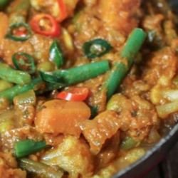 Cauliflower & Tomato Madras