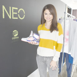 Selena Gomez will be helping to design some shoes