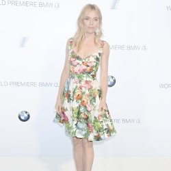 Sienna Miller looks beautiful in floral
