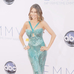 Sofia Vergara got the right shade of green at the Emmy Awards this weekend