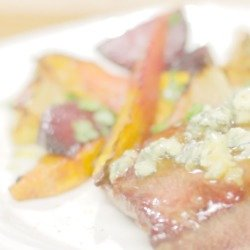 VIDEO: Steak with Blue Cheese and Roasted Vegetables Recipe