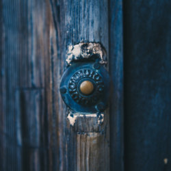 We find out what it means to dream about a doorbell