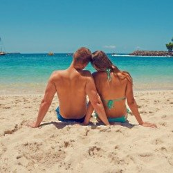Try small holidays before travelling together