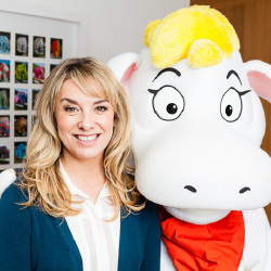Tamzin Outhwaite Backs new Campaign to Help Parents and Children get Creative